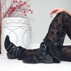 🌟 L.A.M.B Black Strap Belts Ankle Boots 🌟